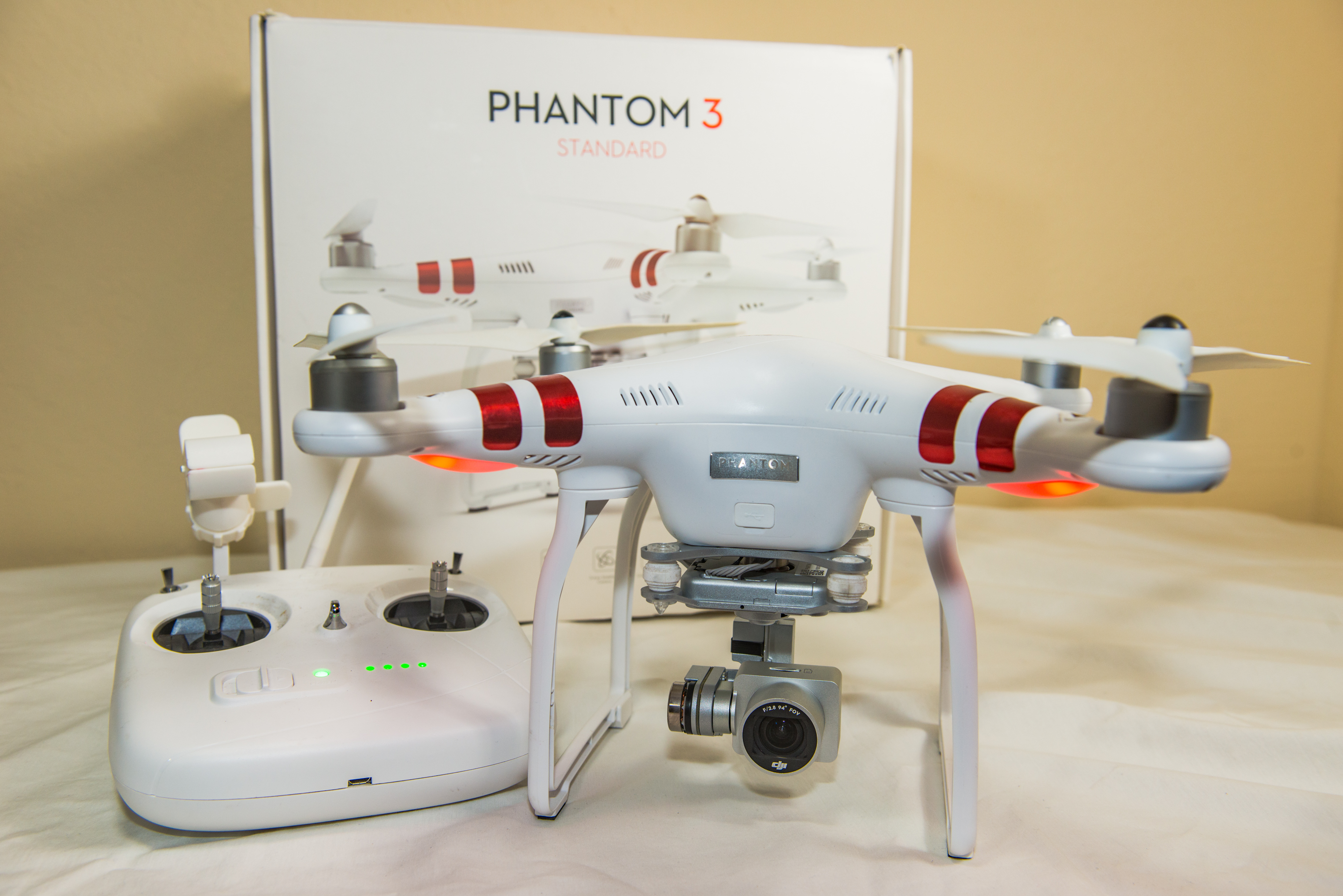 2015 Holiday Gift Guide For Drone Enthusiasts Dji Phantom 3 Standard With One Battery 27k Video Camera White The Model Of Series Is Cheapest And Most Capable Entry Level On Market Imho It Perfect